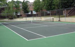 Tennis court at Stratford Arms Apartments