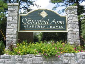 The monument sign at Stratford Arms Apartments in Riverdale, GA